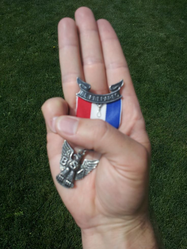 GREAT PHOTO idea - Eagle Scout Award - Scout Sign