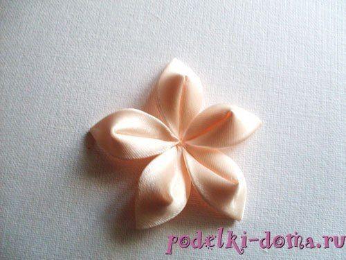 flor de cetim para sobrepor