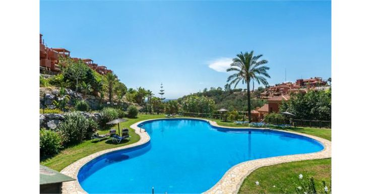 2 bed apartment near Marbella for €135k. Thanks to it's elevated position, you could enjoy panoramic sea and mountain views from your own private terrace. If the temperature is a little hot, there are even several swimming pools and jacuzzis set in lovely gardens to choose from so you can cool off.
