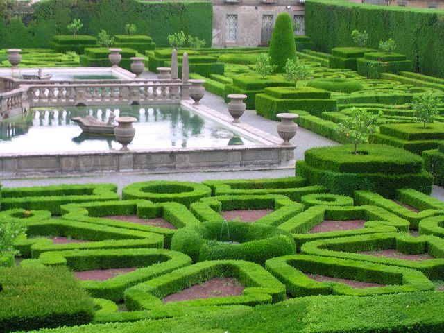 Italian garden Villa Lante. Photo by antonello.tommy via flickr.