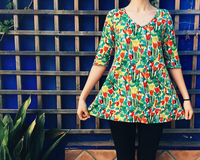 http://www.instintobcn.com/es/productos-importados/3207-casaca-tulipes.html Camiseta de algodón estampada con tulipanes de colores #InstintoBcn #Print #ModaVerano
