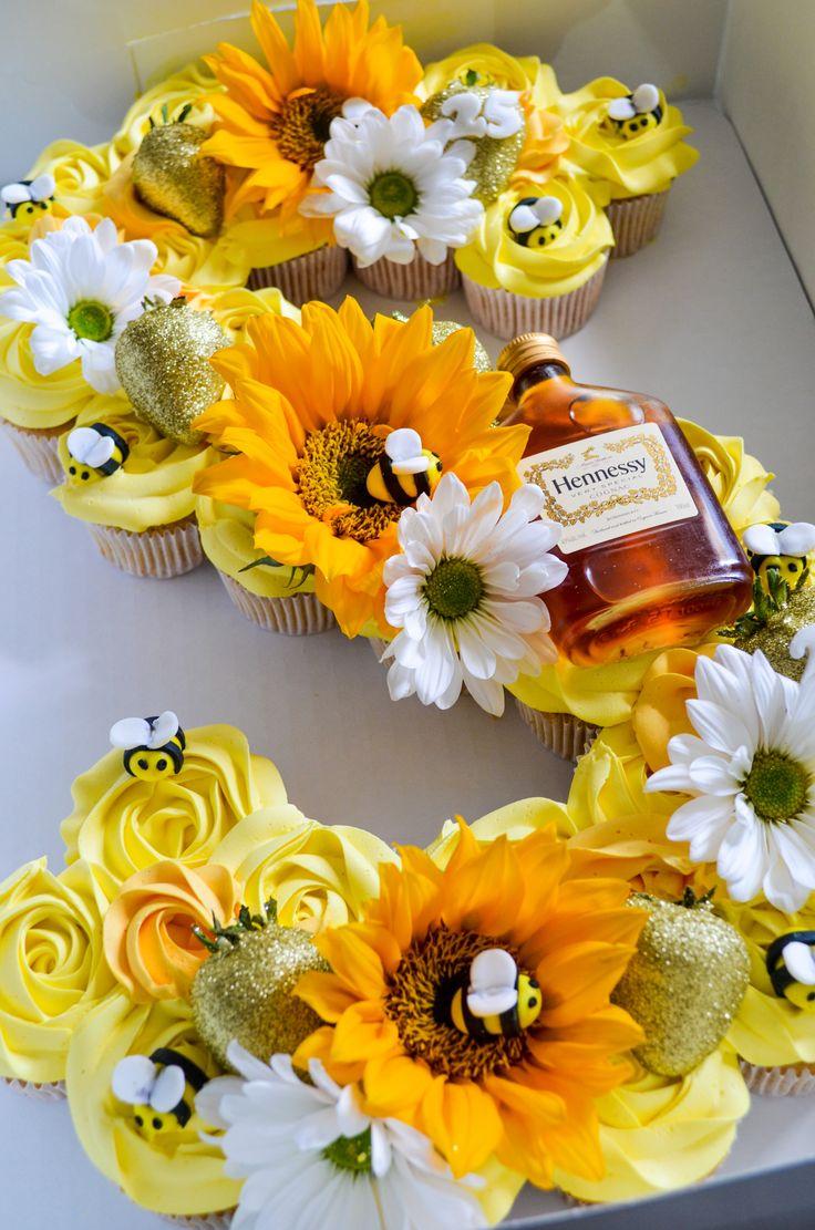 Sunflower Themed Wedding Cake   Sunflower themed wedding