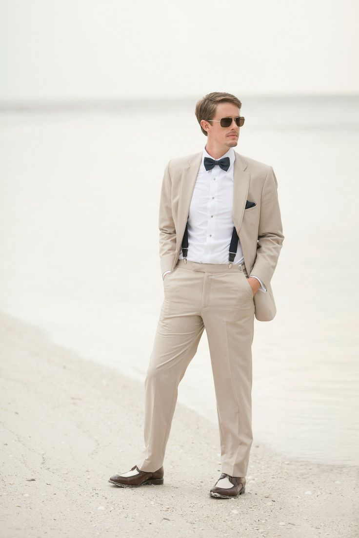 Groom's Attire | Beach Wedding | Photography: Jamie Lee Photography or groomsmen