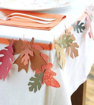 great for kids tableTable Decorations, Ideas, Fall Leaves, Fall Decor, Fall Table, Dinner Tables, Tables Garlands, Thanksgiving Tables, Tables Decor