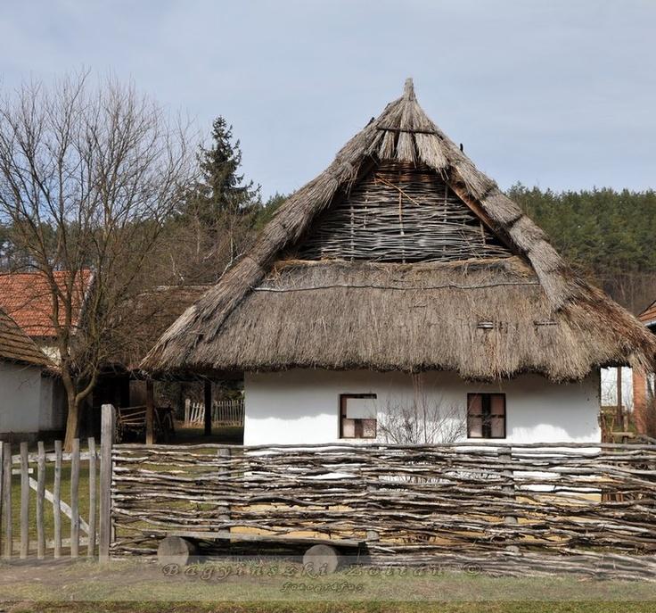 Hungarian folk architecture /parsztház
