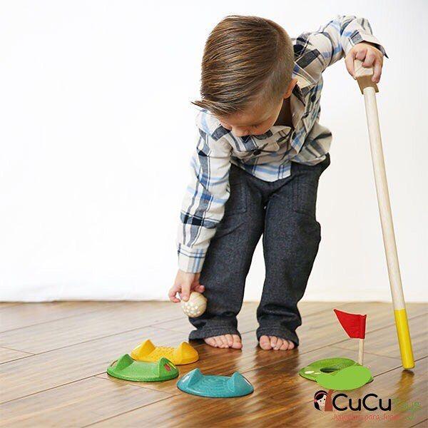 Mini golf de madera 100% ecológica. Un juego muy divertido y que les ayudará a mejorar la coordinación y la psicomotricidad global. Vale para interior y exterior. http://ift.tt/2q1OwP2 #cucutoys #plantoys #minigolf #madera #niños #juguetes #toys #kids #wooden #eco #golf #outdoor #activeplay