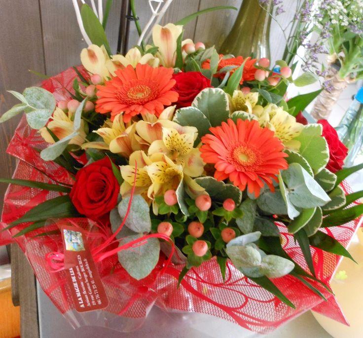 Commandez directement vos fleurs aux fleuristes locaux. Ici c'est A la Magie de Léa qui vous propose une création originale à 51€ Bouquet rond réalisé en fleurs variées avec de la rose rouge, des germinis oranges, de l'alstroemeria, du feuillage varié et autres fleurettes. Livré avec une réserve d'eau afin de préserver la fraîcheur de la création. en livraison autour de Bourges https://www.coleebree.com/bourges/a-la-magie-de-lea/bouquets?command=4558fcf0-e358-492f-91be-7a67d70d7de4