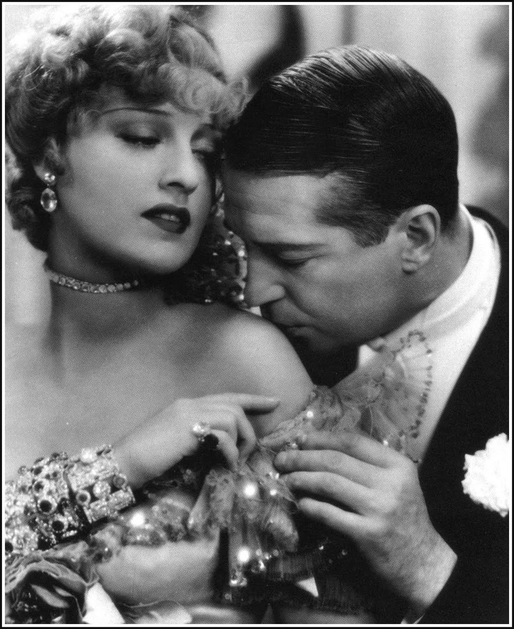 Jeanette MacDonald and Maurice Chevalier in 'The Merry Widow', 1934