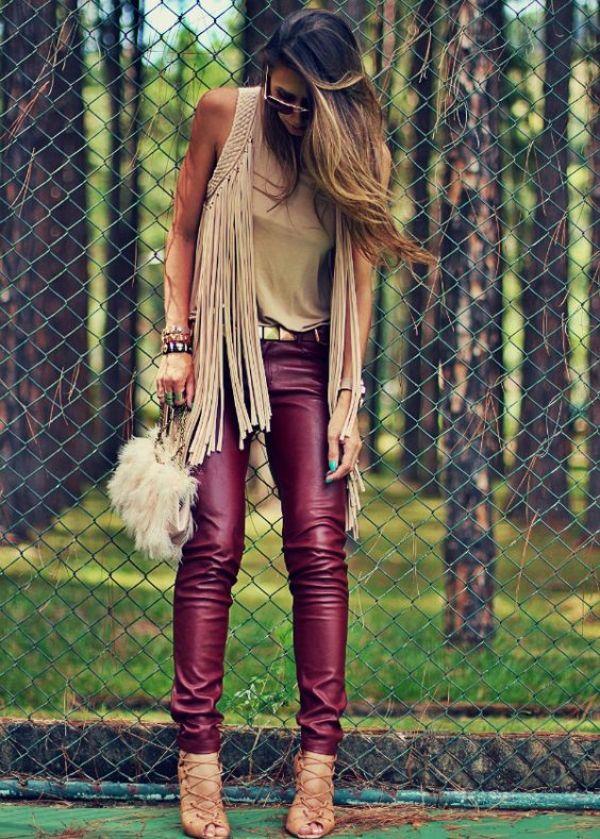 A Calça Flare também pode te acompanhar nos looks de Inverno! Ela é uma ótima opção para usar com botas de cano curto, de preferência com salto, já qu...