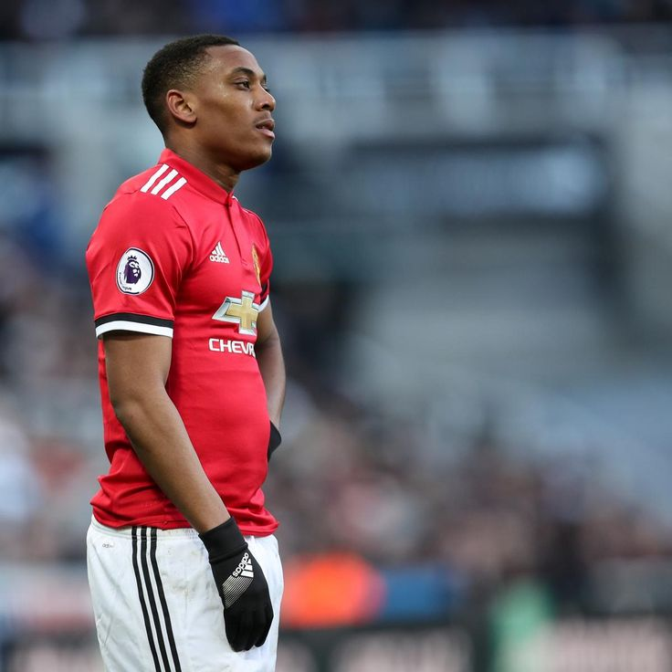 Manchester United Transfer News: Anthony Martial Talks Planned, Artuo Vidal Snub