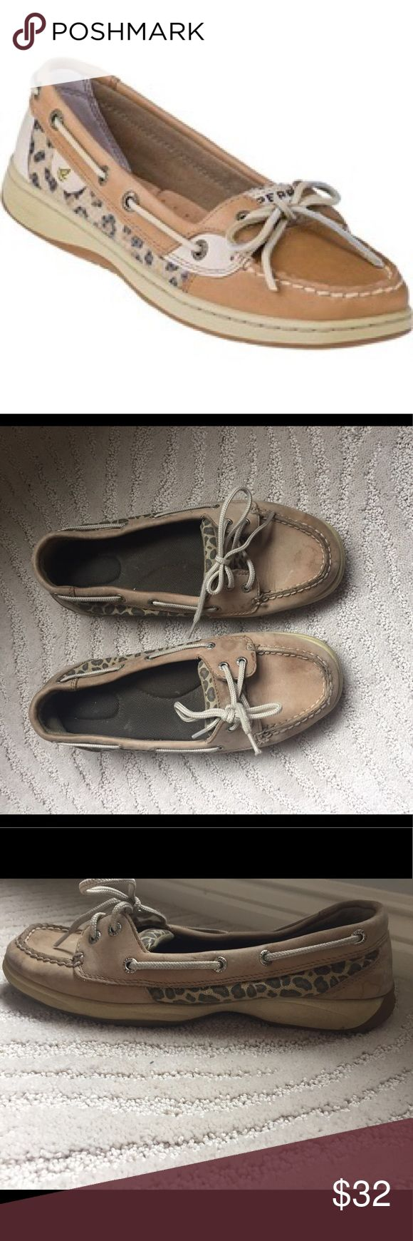 Sperry's Top Sider shoes💛 Some light usage only worn a couple times but water marks from rain. Still is good condition and not stretched out at all! Sperry Top-Sider Shoes Flats & Loafers