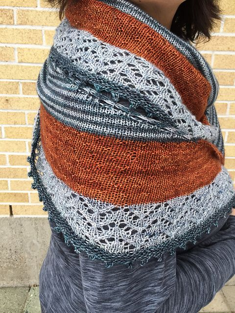 Ravelry: porcupineknitter's 3 Colour Shawl