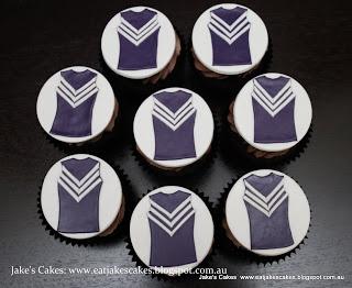Fremantle Dockers cupcakes