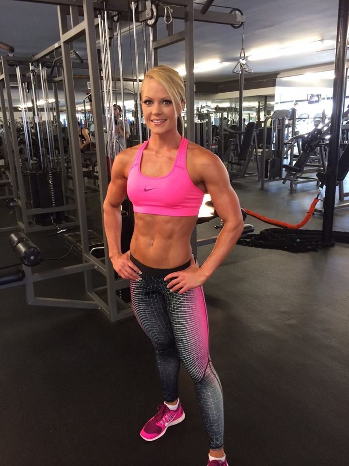 Nicole Wilkins... Hellllllo beautiful! Wow, what a body, good job, look at her determination!