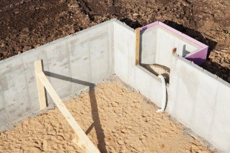 Read this article to understand how your crawlspace can be converted into a full basement.