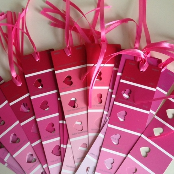 Super simple Valentine's Project from SimplyKlassicHome... a cute inexpensive way to make a bookmark