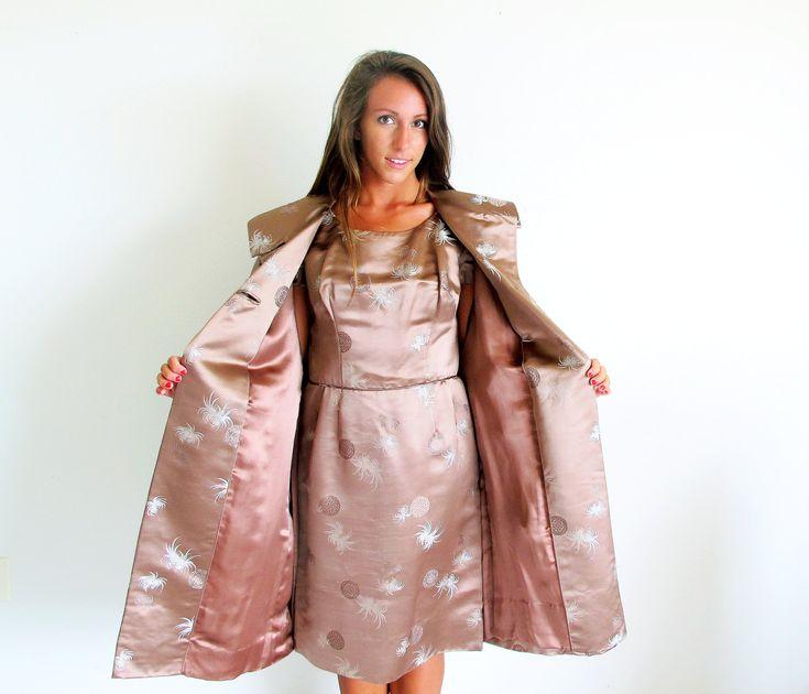 vintage 60er jahre kleid mit mantel taupe satinkleid und. Black Bedroom Furniture Sets. Home Design Ideas