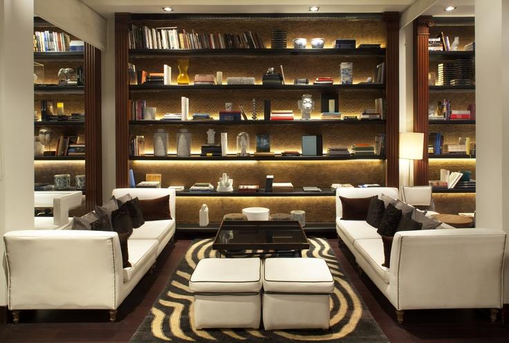 biblioteca del Hotel Pulitzer Barcelona rediseñada por Lazaro Rosa-Violán