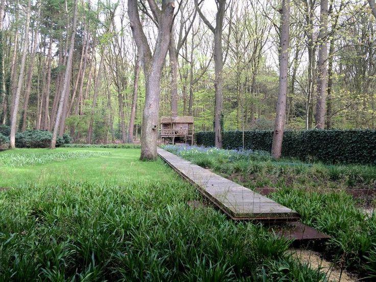 Bostuin, houten loper | Ontwerp, Andrew van Egmond