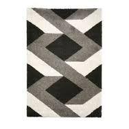 Resultado de imagem para modernos tapetes de arraiolos