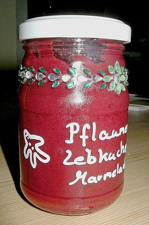 Weihnachtliche Pflaumen - Lebkuchen - Marmelade   Zutaten  1500 gPflaume(n) oder Zwetschgen entsteint 500 gGelierzucker, 3:1 25 gMarzipan, (geht auch ohne) 10 gLebkuchengewürz 2 TLZimt