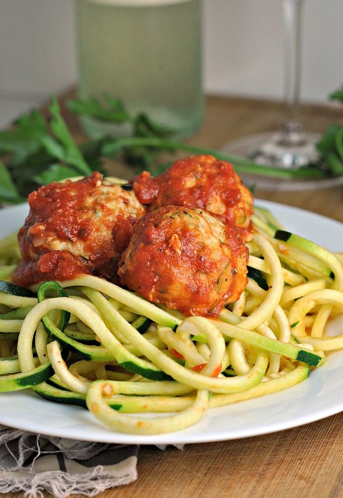 Baked Turkey-Zucchini Meatballs with Simple Zoodles recipe #dinner #lowcarb