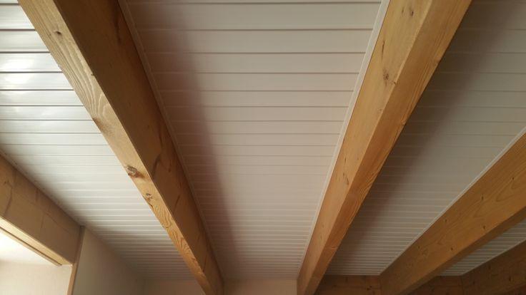 lambris pvc blanc brillant pour plafond cool merveilleux pose lambris pvc plafond lambris pvc. Black Bedroom Furniture Sets. Home Design Ideas