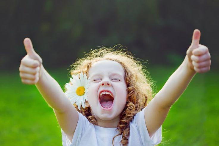 Muitos adultos até hoje ainda não aprenderam a lidar com as suas emoções e or isso são mal resolvidos. Veja aqui como ensinar seus filhos e fazer deles pessoas mais felizes!