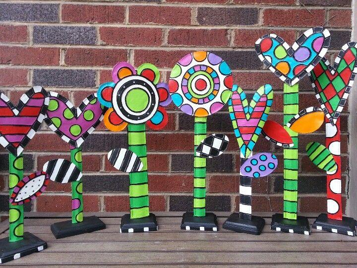 Kusama-inspired flowersYayoi Kusama (Matsumoto, 20 de março de 1929) é uma artista plástica japonesa.  Yayoi Kusama é considerada uma das maiores artistas pop japonesas. Tem uma história de vida incrível, cheia de altos e baixos, mas que nem de longe ofusca sua bela arte contemporânea, conhecida como Polka Dot.  Aos 86 anos, a artista continua a fazer suas artes.  Seu trabalho é uma mistura de diversas artes, como colagens, pinturas, esculturas, arte performática e instalações ambientais.