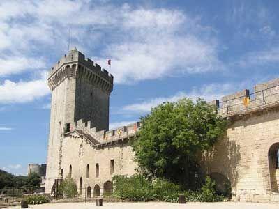 El castillo de Beaucaire en las cercanías de nuestra base