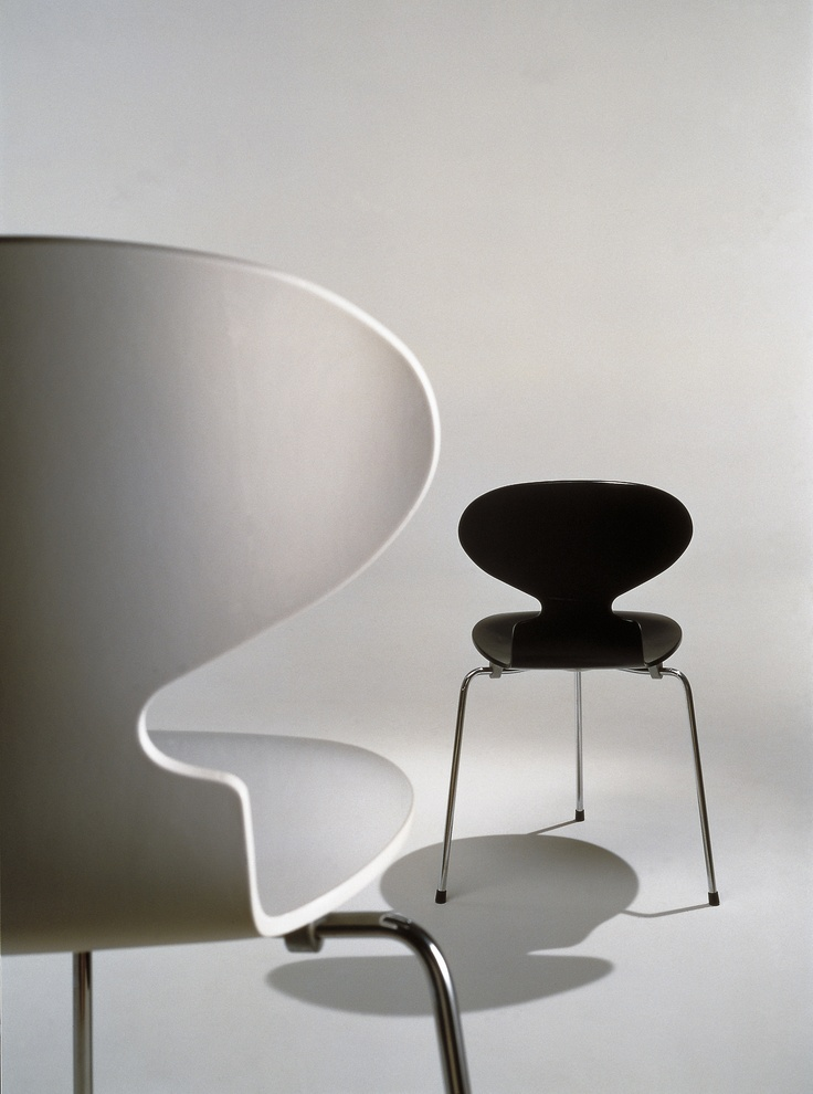 The Ant Chair - Arne Jacobsen - 1952 (Republic of Fritz Hansen @ Designhus Tervuren)