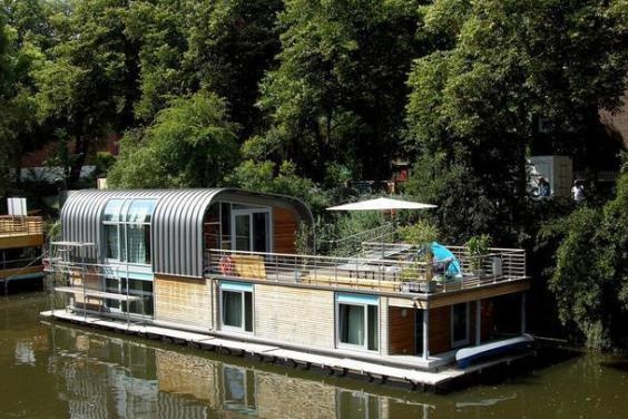 houseboat berlin houseboats no vessels and barges pinterest berlin and houseboats. Black Bedroom Furniture Sets. Home Design Ideas