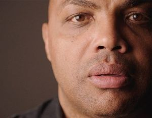 """Black #Cosmopolitan Charles Barkley Reveals Why He Made the Show   #Barkley, #Basketball, #InsideTheNBA, #NATIONALBASKETBALLASSOCIATION, #NationalBasketballAssociationOnTelevision, #TelevisionInTheUnitedStates, #TNT, #TURNERSPORTS     The former NBA star says his new series is """"right up the there with the most important things"""" he's done in his life    American Race Host & Executive Producer Charles Barkley (Image via TNT)  Last week, Charles Barkley"""