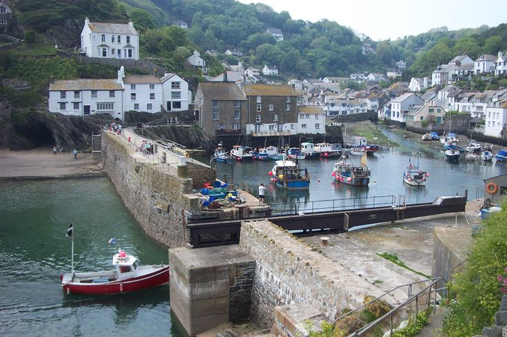 Polperro, small village in south Cornwall, England. Leashed dogs are welcome in restaurants here. Visited in April 2012....Check