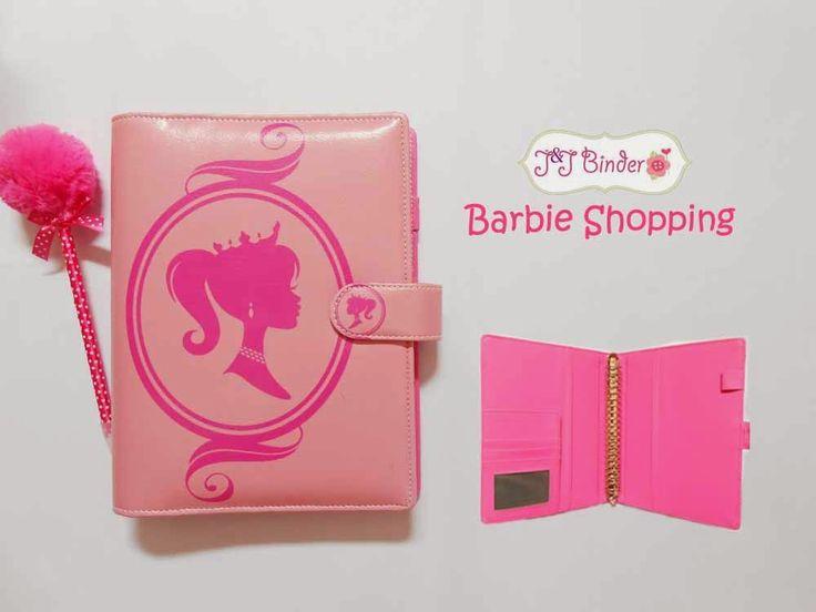 Nama  Produk : Binder Barbie Shoping Ukuran   :A5 20ring : 60rb , B5 26 ring : 70rb Bahan  : Kulit Sintetis Deskripsi : 3 slot kartu, 1 slot foto 1 Slot pulpen