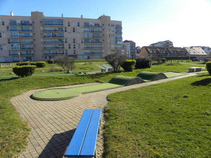 Situé En Front De Mer, Le Mini Golf De Calais Est Lu0027endroit