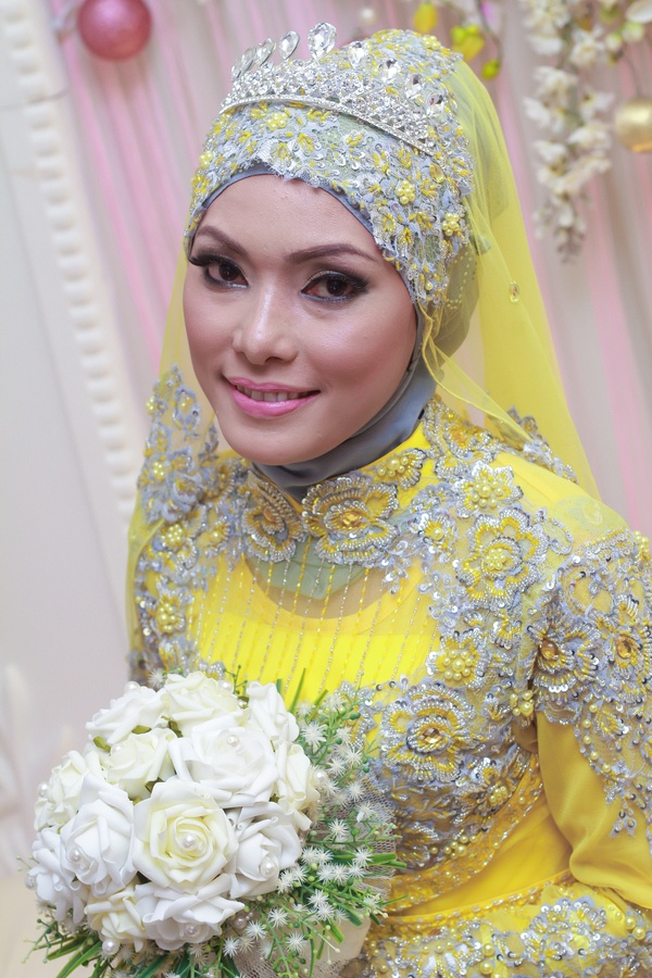 Yellow lime hijab bride muslim wedding dress pinterest for Wedding dresses for muslim brides