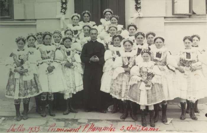 Z primičních slavností ve Lhotce 1933 fotografie z musejního fotoarchivu Hradcovice