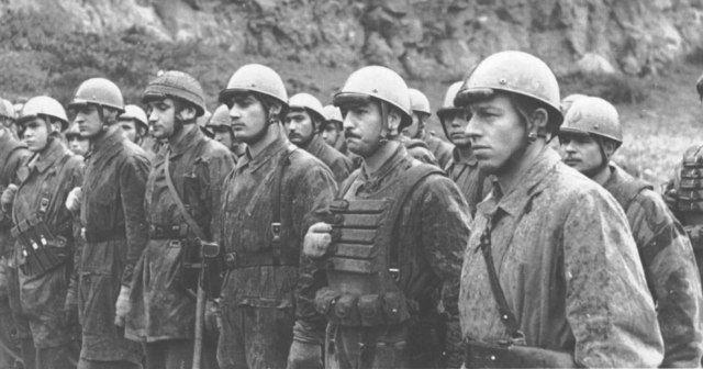 Italian paratroopers
