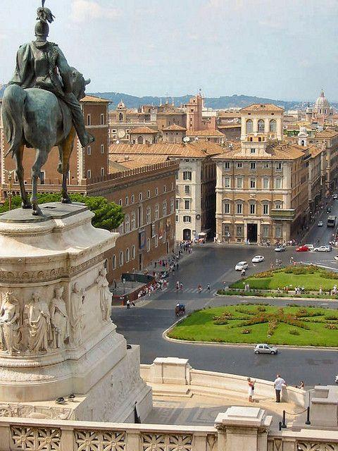 Piazza Venezia, Rome, Italy. http://www.suntransfers.com/rome-ciampino-airport