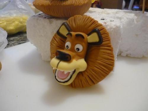 Tutorial: Madagascar Alex the Lion Fondant