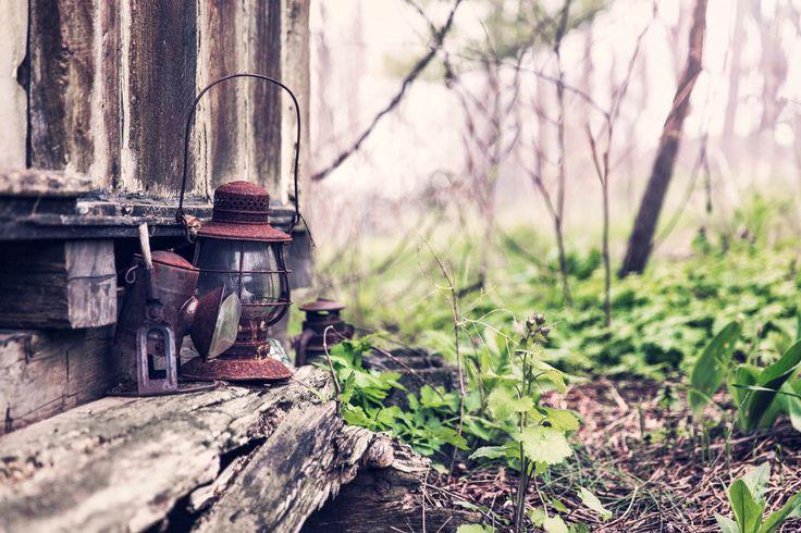 Galeria inspiracji: lampiony i girlandy świetlne w ogrodzie