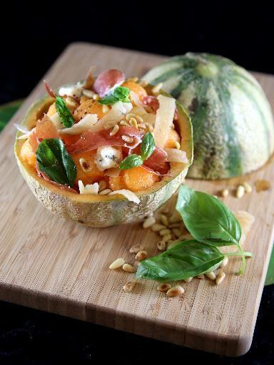 melon, citron, pignon, gorgonzola, huile d'olive, basilic frais, jambon, parmesan