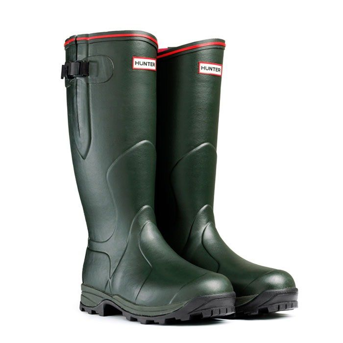 After trudging around in the snow today, I really need a pair of these. #hunter #wellies