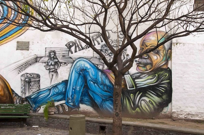 Fumando, Plaza del Arbol, Caba, Argentina, by Batman
