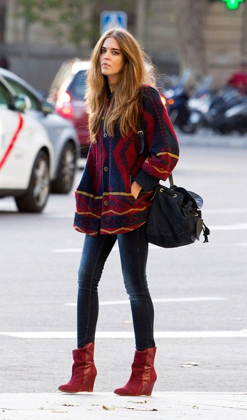 love the colours, the sweater jacket...boots, I want everything ;))