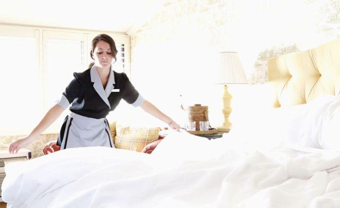 Если кто и знает секреты быстрой и эффективной уборки, так это отельные горничные. У них огромная практика, к тому же их этому обучают. Поэтому они могут поделиться своими знаниями с простыми домохоз…