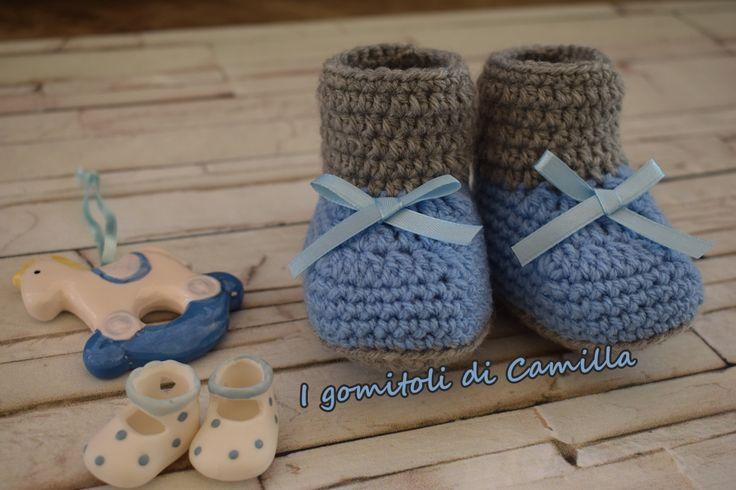 Le scarpine di lana a uncinetto modello stivaletti sono semplicissime da realizzare, scegliete un colore e realizzatele insieme con me.
