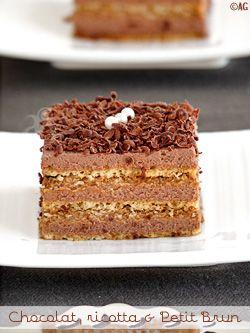 Le gâteau aux Petits Bruns, c'est toute mon enfance … Il était le gâteau de nos anniversaires. Customisé pour l'occasion, il prenait, le plus souvent, la forme d'une maison plantée dans un décor de bonbons. Il avait toujours un succès...