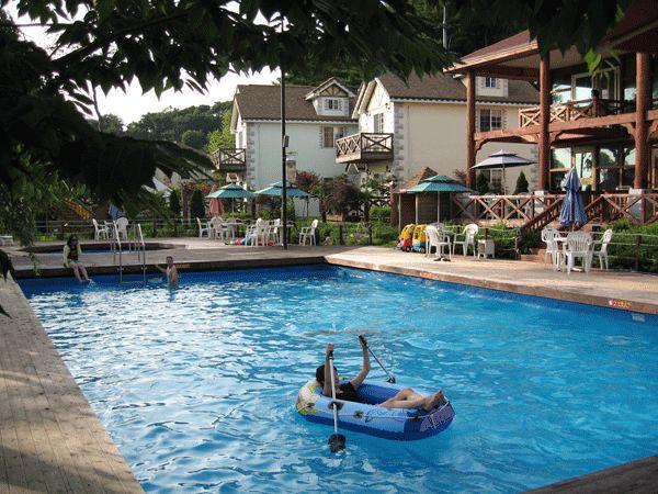 Portable Pool Deck 12 | Arthurs Pools